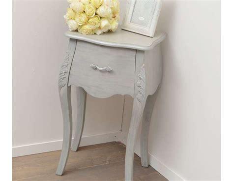 table de chevet romantique