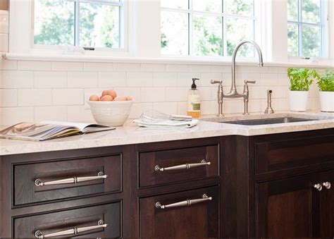 tiles in the kitchen best 25 brown cabinets kitchen ideas on 6232