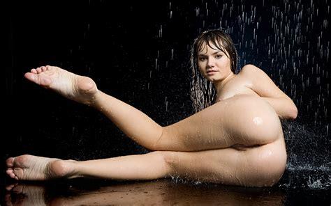 Download Photo 4000x2500 Laura Teen Model Nude Tits