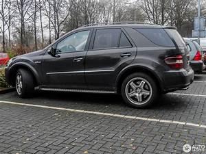 Laderaumabdeckung Mercedes Ml W164 : mercedes benz ml 63 amg w164 20 january 2018 autogespot ~ Jslefanu.com Haus und Dekorationen