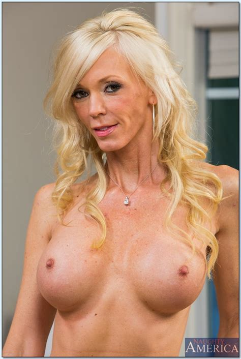 Mature Blonde Is Cheating On Her Husband Photos Xander