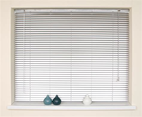 Choose Window Blinds As Your Window Covering