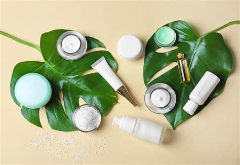 Tips Pembersih Kandungan Produk Skincare Yang Bisa Disimpan Di Kulkas Dan Yang Di