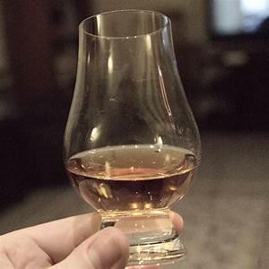 Verre à Whisky Tulipe : l 39 art de la d gustation ~ Teatrodelosmanantiales.com Idées de Décoration
