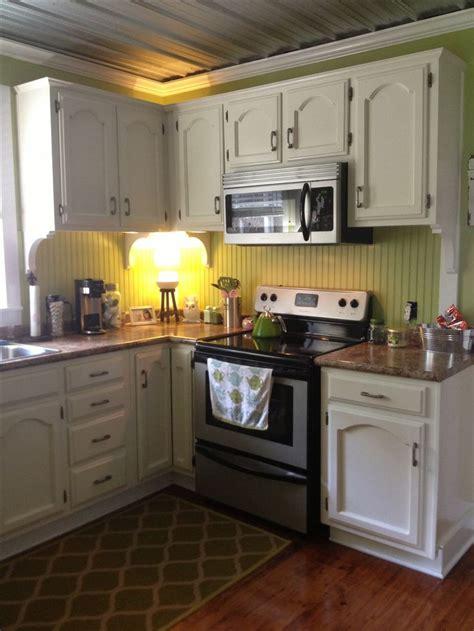 beadboard kitchen backsplash beadboard for backsplash but not green this decor