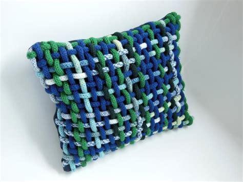 kissen stricken mit knöpfen strickliesel kissenbezug blau bunte heideblume auf dawanda knitting strickliesel