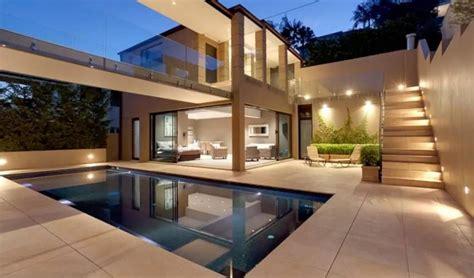 bedrooms luxury villa  sydney balmoral beach villagetaways