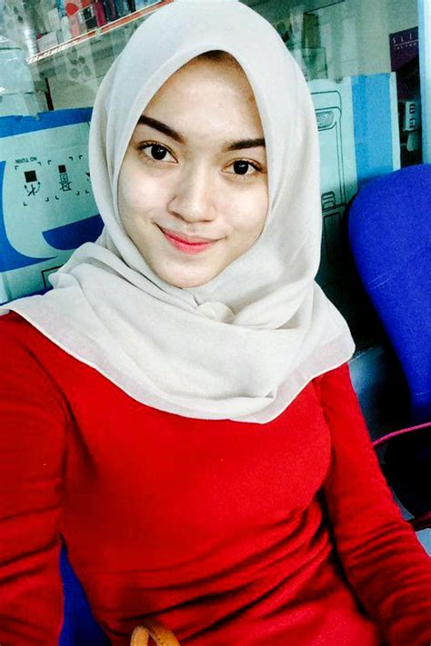 Kumpulan Foto Cewek Igo Dan Mahasiswi Pakai Hijab Merah