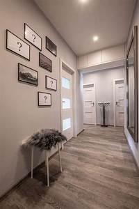 Omítání stropu v bytě