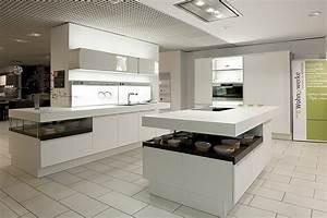 Weisse luxuskuche luxuskuchen for Luxusküchen