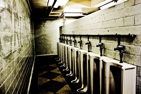 donne al bagno turco grunged toilet by jjone223 on deviantart