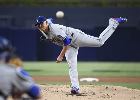 cubs rout dodgers  game    la times