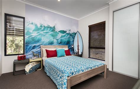 beach style bedrooms  bring  shore   door