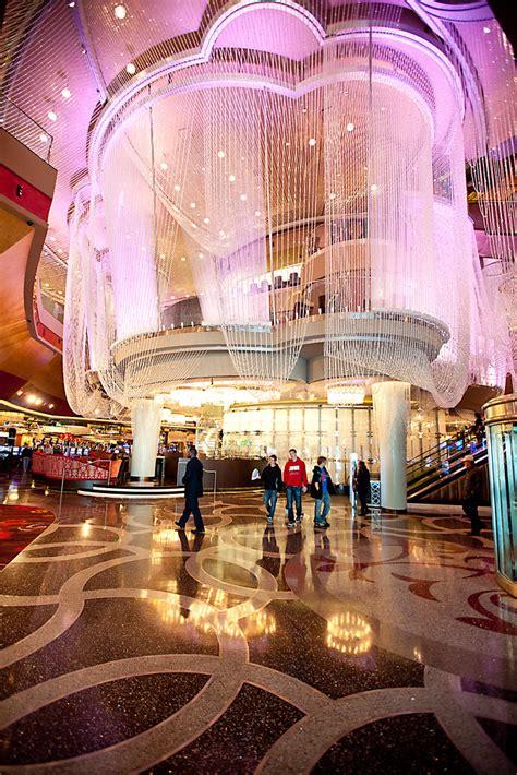 Betsson Casino - Play 1,500 Online Casino Games Today