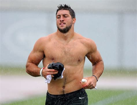 Tim Tebow Height, Weight, Biceps, Body Measurements, Age