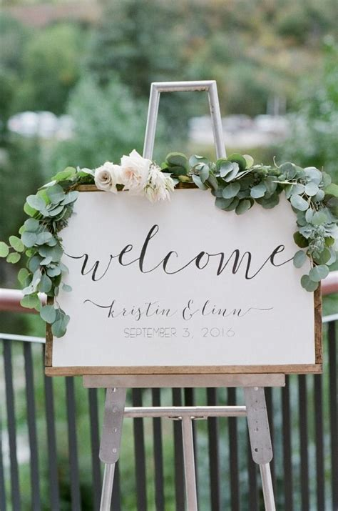 decoration a essai mariage 25 best ideas about wedding signs on rustic wedding signs wood wedding signs and