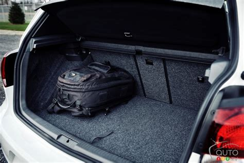Gti Cargo Space by 2011 Volkswagen Golf Gti Pictures On Auto123 Tv