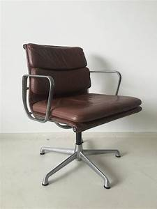Eames Chair Kopie : charles eames soft pad chairs ea208 for icf italy 1960s only 1 left for sale at 1stdibs ~ Markanthonyermac.com Haus und Dekorationen