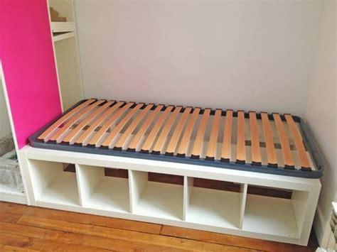 Bett Aus Regalen by Bett Aus Kallax Ikea Hack Aus Kallax Wird Ein Bett Ikea