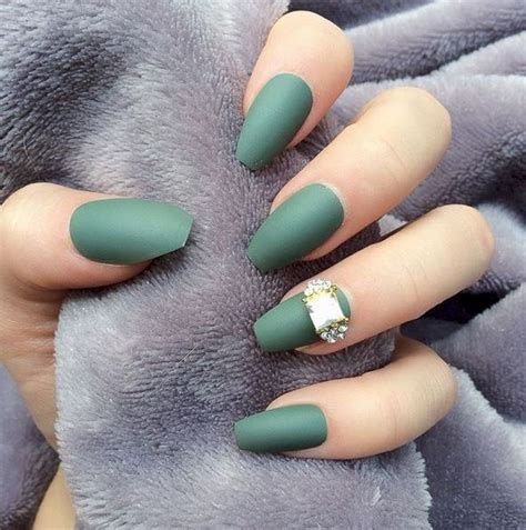 fall trend matte nails