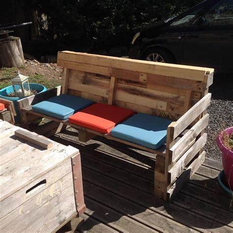 pallet sofa  coffee table set  patio easy pallet ideas