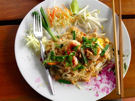 cuisine thaie la recette du pad thaï ou les saveurs de la cuisine thaïe