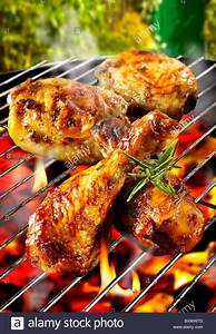 Barbecue chicken legs & thighs on a BBQ grill Stock Photo: 33760033 - Alamy