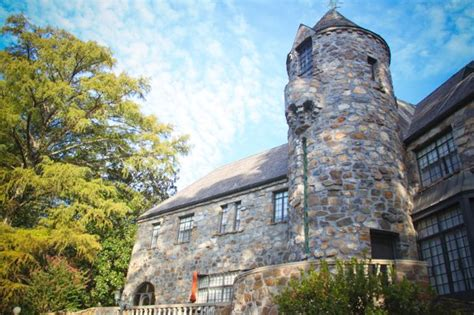 castle  stagecoach  rock ar wedding venue