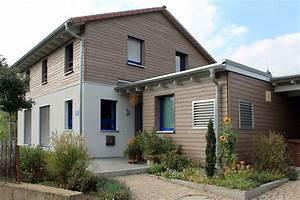einfamilienhaus holzhaus satteldach holzfassade With französischer balkon mit garten spielhaus aus holz
