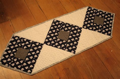 small table runner small table runner things i ve made 2374