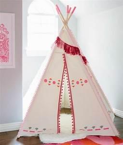 Tipi Pour Chambre : comment fabriquer un tipi 60 id es pour une tente indienne sympa ~ Teatrodelosmanantiales.com Idées de Décoration