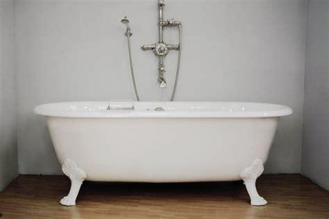 comment demonter une baignoire comment r 233 233 mailler une vieille baignoire st 233 phanie b 233 rub 233 r 233 novation