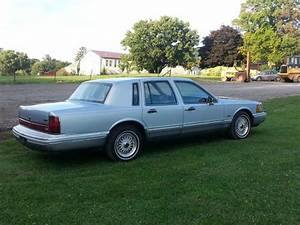 Purchase Used 1993 Lincoln Town Car Cartier Sedan 4