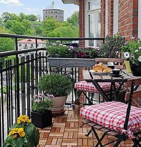 Balkon Bodenbelag Holz : coole balkon pflanzen frische ideen f r eine gem tliche atmosph re ~ Indierocktalk.com Haus und Dekorationen