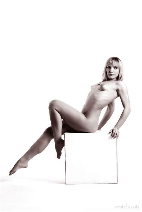 Eroticbeauty Victoria C Presenting Victoria C By Stan Macias Nude Gallery