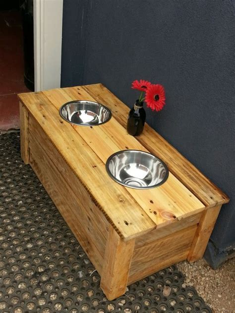 Top 23 New & Awesome DIY Pallet Projects
