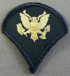 Us Army Specialist 4th Class Small Sleeve Rank Insignia