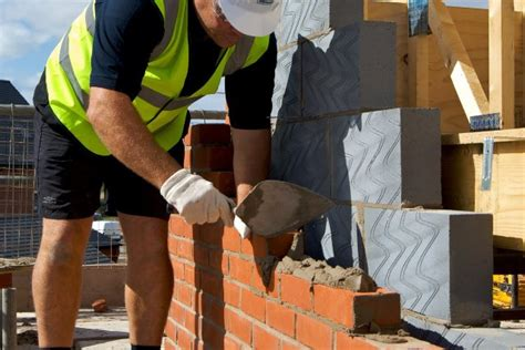 bricklayers earn   architects