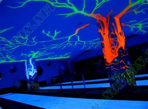 Fluorescent paint for exteriors and concrete surfaces from