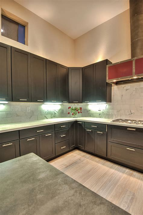 paint kitchen cabinets shaker painted black cabinets kitchen design 1368
