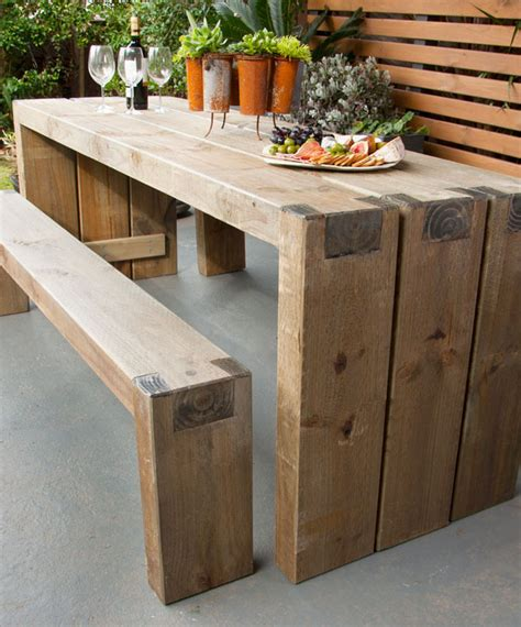 create  outdoor table  benches  homes