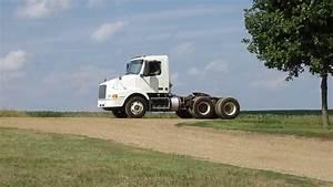 2000 Volvo Vn Day Cab Semi Tractor