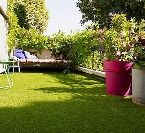 Tapis Pour Balcon : am nager un balcon avec des plantes et une table c t maison ~ Teatrodelosmanantiales.com Idées de Décoration