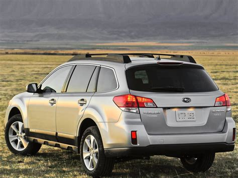 The outback was redesigned from the ground up for the 2020 model year, so for 2021 subaru has made only three minor changes: Subaru Outback 2013: más atractivo y más seguro | Lista de ...