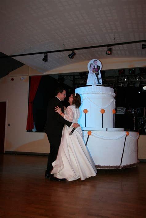 entree des maries dans la salle entr 233 e dans la salle animations et ouverture de bal mademoiselle dentelle