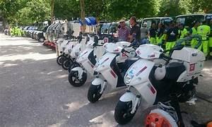 Nettoyage Scooter : des scooters lectriques govecs pour nettoyer les rues de n mes ~ Gottalentnigeria.com Avis de Voitures
