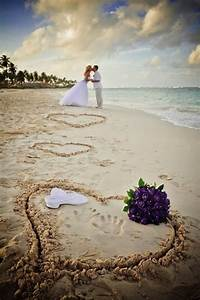 Must have beach wedding photos weddings by lilly for Beach wedding photography ideas