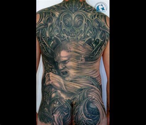tatouage femme dos id 233 e tatouage femme dos cochese