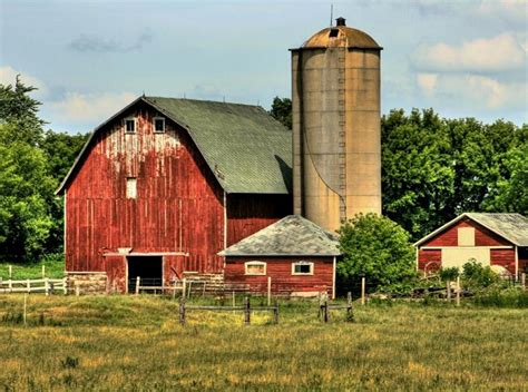 Building Small Barns, Sheds & Shelters, By Monte Burch