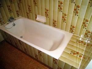 Baignoire à Poser : comment poser des dalles pvc dumawall dans une salle de bain ~ Melissatoandfro.com Idées de Décoration